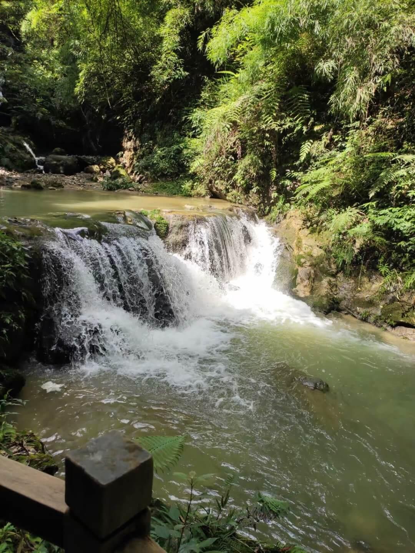 黑山谷瀑布
